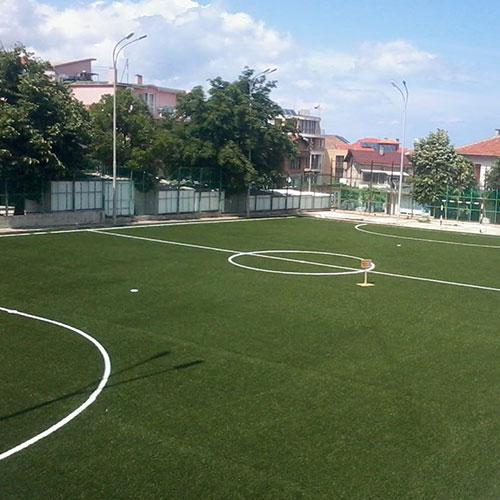 Доставка и монтаж на изкуствена трева за футбол и тенис